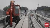 Dibangun sejak September 2015, LRT Jabodebek akan melayani 3 lintas pelayanan. (CNNIndonesia/Safir Makki).