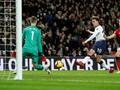 De Gea Bingkai Sepatu Man United vs Tottenham