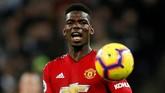 Paul Pogba dikabarkan The Sun meminta kenaikan gaji £500 ribu per pekan kepada Manchester United jika ingin mempertahankannya. Jika tidak dipenuhi Pogba akan memilih pindah ke Real Madrid. (Reuters/John Sibley)