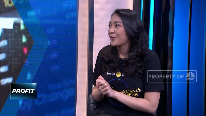Presiden Joko Widodo  menggandeng sejumlah milenial jadi staf khusus, nama Putri Tanjung masuk.