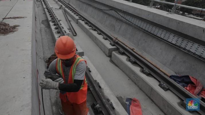 Bos Adhi Karya Sebut Progres LRT Jabodebek Sudah Capai 65%