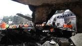 Ketika itu pesawat juga membawa 16 awak dan 15 orang meninggal dalam kecelakaan itu. (Abbas Shariati/Tasnim News Agency)
