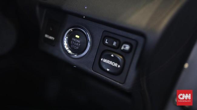 Fitur baru lainnya adalah start/stop engine button yang memudahkan pengemudi untuk menyalakan mesin Avanza.