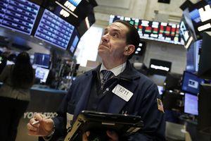 Bara Perang Dagang AS-China akan Buat Wall Street Jatuh Lagi