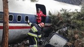 Pesawat itu tercatat milik maskapai Payam Air, Iran. (Photo by HASAN SHIRVANI / various sources / AFP)