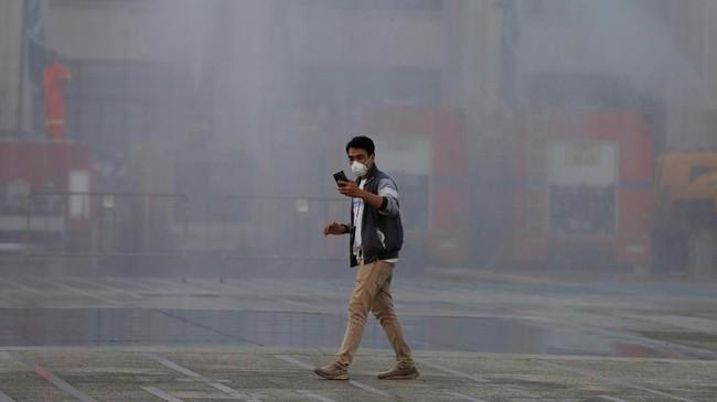 Kandungan kabut di Bangkok mencapai tingkat 2,5 PPM, menjadikannya berada di peringkat kesepuluh kota paling berpolusi di dunia. (REUTERS/Soe Zeya Tun)