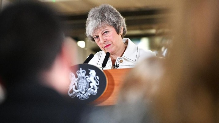 Theresa May Gandeng Oposisi, Euro & Pound Menguat