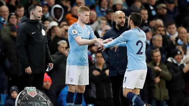 Penyerang Manchester City Kevin De Bruyne masuk menggantikan David Silva pada menit ke-62. (Reuters/Carl Recine)