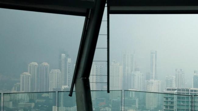 Seperti situasi di Jakarta, udara di Ibu Kota Bangkok, Thailand juga diselimuti oleh kabut sebagai dampak polusi. (REUTERS/Soe Zeya Tun)