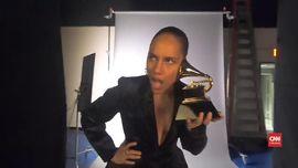 VIDEO: Alicia Keys Kegirangan Jadi Pembawa Acara Grammy 2019