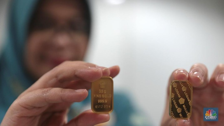Penurunan harga emas Antam tersebut seiring dengan melemah tipisnya harga komoditas global kemarin.