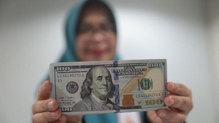 Pukul 09:00 WIB: 10 Poin Lagi, Dolar AS Sentuh Rp 14.100
