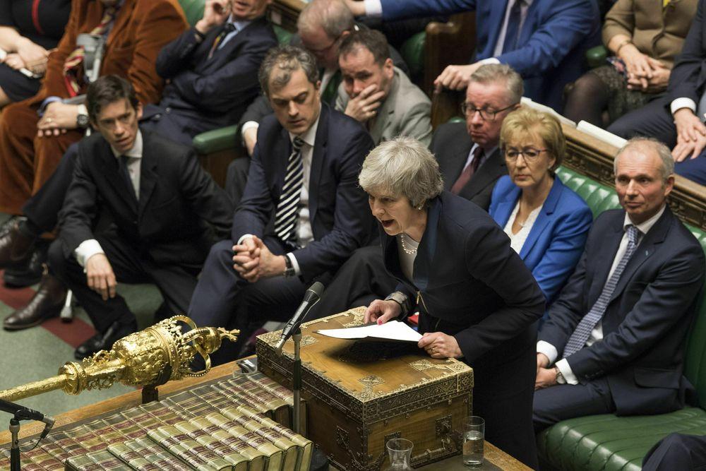 Perdana Menteri Inggris Theresa May mengalami kekalahan telak dalam pemungutan suara yang menentukan nasib perjanjian Brexit