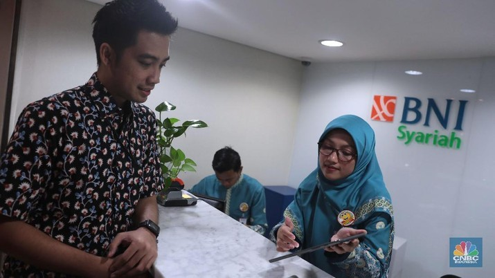 Sambangi MK untuk Perbaikan Berkas, Tim Kuasa Hukum Prabowo-Sandi Bawa Bukti yang Menghebohkan