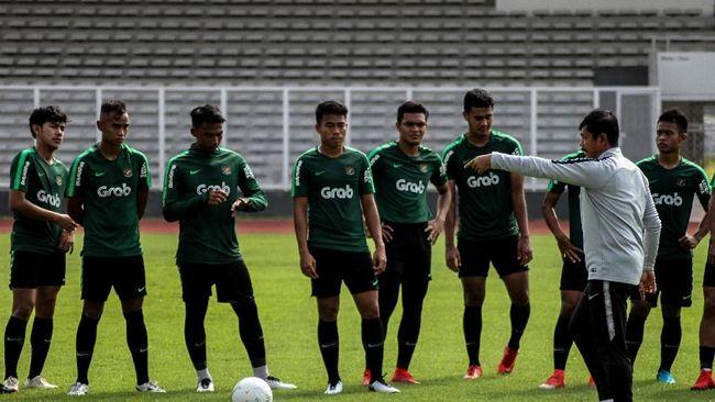 Indra Sebut Perbedaan Melatih Timnas Indonesia U-22 dan U-19
