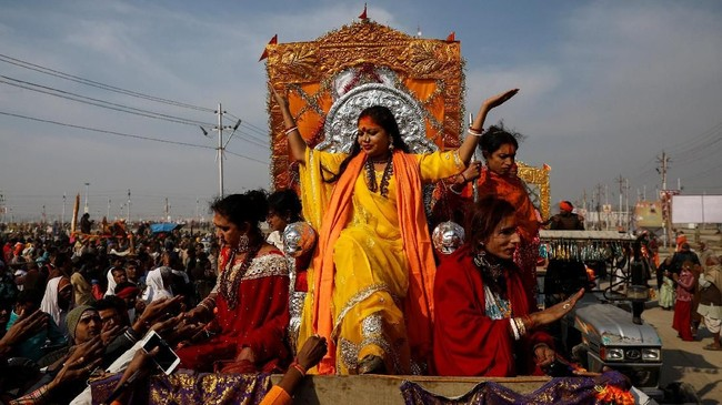 Perdana Menteri Narendra Modi melihat kesuksesan festival ini sebagai cara 'membakar' kepercayaan sebagai pembela agama Hindu. (REUTERS/Danish Siddiqui)