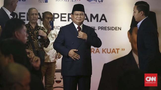 Capres nomor urut 02 Prabowo tiba untuk mengikuti debat yang mengangkat tema Hukum, HAM, Korupsi, dan Terorisme. (CNN Indonesia/Andry Novelino).