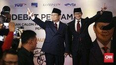 Acungkan Telunjuk Jempol Prabowo-Sandi Tiba di Lokasi Debat