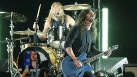 Dave Grohl Operasi Lengan, Foo Fighters Batal Konser