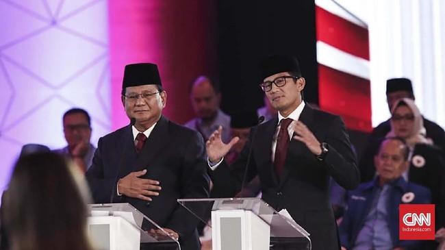 Prabowo Subianto-Sandiaga Uno memberi argumen dan gagasannya secara bergantian pada debat capres perdana 2019. (CNN Indonesia/Safir Makki).