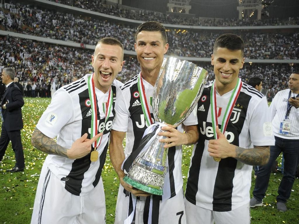 Juventus Raja Piala Super Italia
