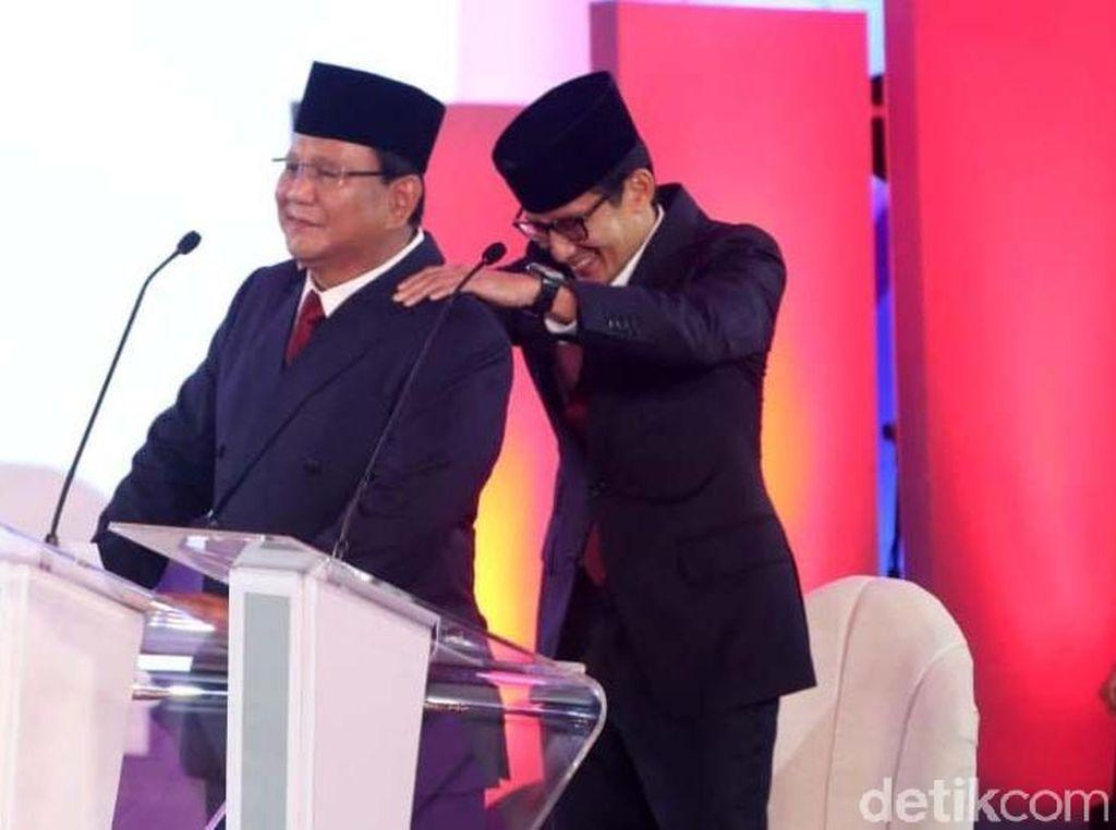 Gestur Pijat Prabowo-Sandi, Stres atau Reaksi Spontan?