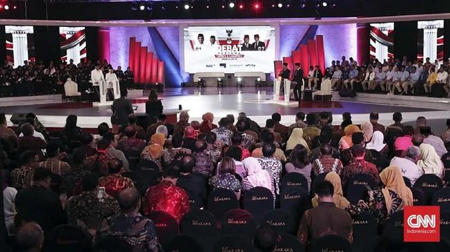Dalam debat perdana ini, pasangan Joko Widodo-Ma'ruf Amin danpasanganPrabowo Subianto-Sandiaga Uno beradu gagasan dan argumen terkait visi-misi mereka. (CNN Indonesia/Safir Makki).