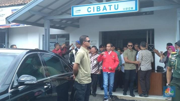 Di Garut, Jokowi Beri Motivasi untuk Emak-emak Pengusaha