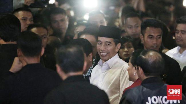 Momen Jokowi Jadi Rebutan Selfie Emak-emak di Rancaekek