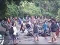 VIDEO: Longsor Rinjani Tutup Jalan Sepanjang Satu Kilometer