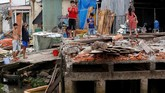 Sedimen penting untuk arus Mekong itu juga telah hilang karena penambangan pasir, bahan utama pembuatan beton dan bahan konstruksi lainnya. (Reuters/Kham)
