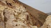 Pemandangan tebing Monquegua yang dilintasi oleh pebalap Reli Dakar.