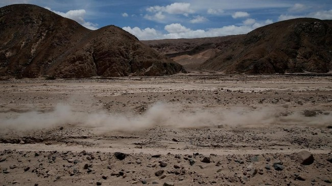 Reli Dakar adalah balapan tahunan yang dilaksanakan oleh Amaury Sport Organisation sejak tahun 1979. Balapan ini terbuka untuk amatiran dan profesional.