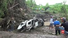 VIDEO: Banjir Bandang Mojokerto, Rumah Rusak dan Jalan Putus