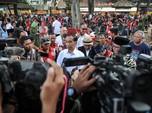 Tak Lagi Sepeda, Jokowi Bagi Hadiah Spesial! Apa Itu?