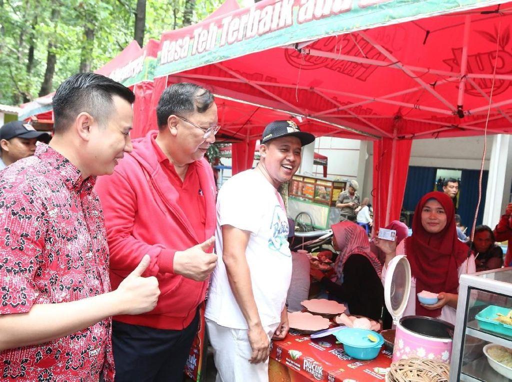 Serunya Wisata Kuliner di Hutan Kota Bekasi