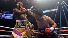 Manny Pacquiao Menang Angka Atas Adrien Broner