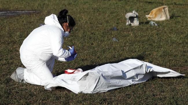 Peristiwa ledakan pipa itu pun menewaskan setidaknya 73 orang, sementara sekitar 74 lainnya luka-luka. Dari mereka yang meninggal, 54 orang terluka bakar sangat parah. (REUTERS/Henry Romero)