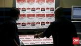 KPU melibatkan enam perusahaan percetakan untuk mencetak kertas suara di Pemilu 2019. (CNN Indonesia/Andry Novelino)