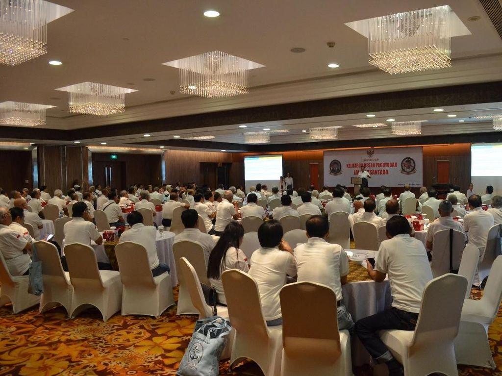 Sekitar 200 Perwira Tinggi Purnawirawan TNI Angkatan Laut yang tergabung dalam Paguyuban Jala Nusantara tersebut mendeklarasikan dukungan untuk calon Presiden nomor urut 01 Joko Widodo-Maruf Amin. Istimewa.