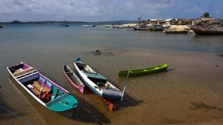 Kemolekan Pantai Tablolong Dirusak Kondisi Fasilitasnya
