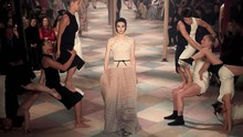 Sihir 'Sirkus' Christian Dior di Couture Week