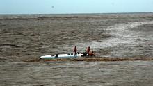 Kapal Angkut 25 Orang Tenggelam di Perairan Ketapang