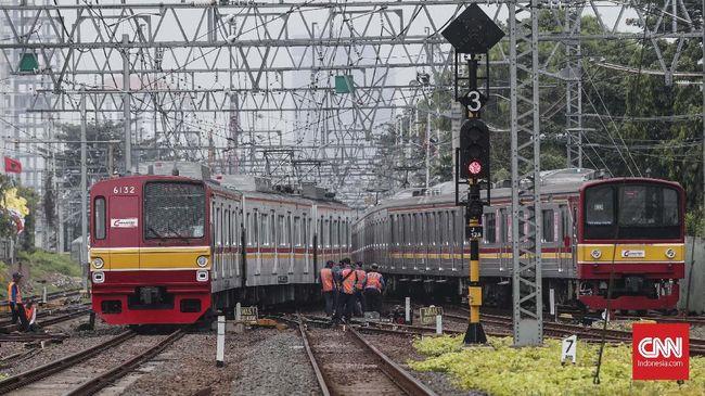 Jadwal KRL Commuter Line Malam Tahun Baru Hingga Dini Hari