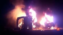 VIDEO: Bus dan Truk Tabrakan di Pakistan, 26 Orang Tewas