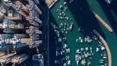 Kawasan ini terdiri dari 260 pulau, termasuk semenanjung Kowloon dan New Territories yang berbatasan dengan daratan China.