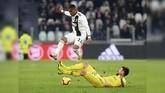 Juventus yang memimpin klasemen Liga Italia menghadapi sang juru kunci Chievo di Stadion Allianz, Senin (21/1). (REUTERS/Massimo Pinca)