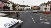 Bom mobil itu diledakkan di dekat gedung pengadilan di Londonderry. (REUTERS/Clodagh Kilcoyne)