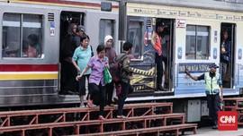 KRL Bogor dan Bekasi Hanya Sampai Manggarai Mulai Hari Ini