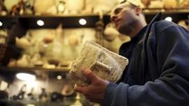 FOTO: Misi Mencari Perkamen Melawan Perampok di Laut Mati
